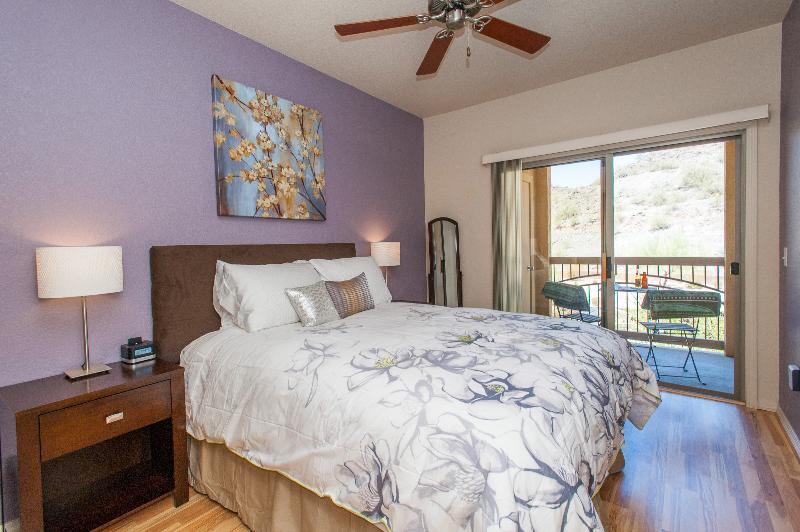 1 Bedroom Condo Nestled in the Mountains - Image 1 - Phoenix - rentals