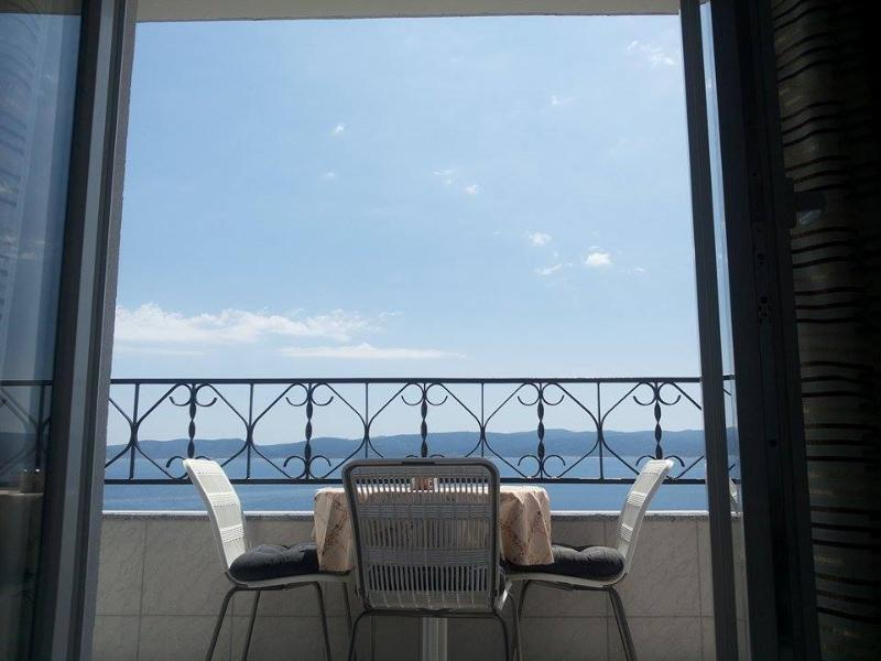 Luxor Apartment  Pisak,Dalmatia   6 -11 Persons - Image 1 - Pisak - rentals