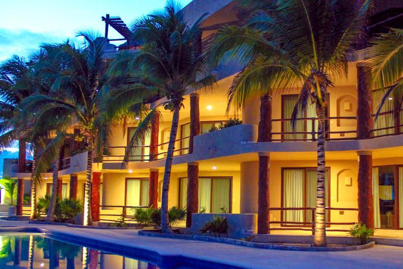 Mahahual pool level Condo #301 great location - Image 1 - Majahual - rentals