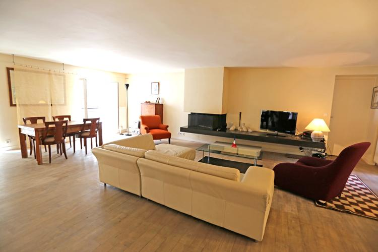A Large Three Bedroom Between Opera and the Louvre - Image 1 - Paris - rentals