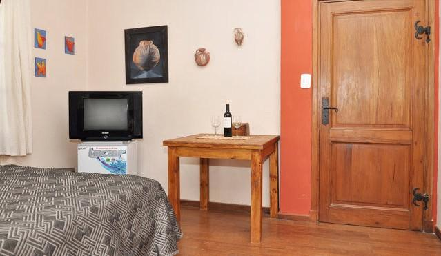 Cozy and living area - Charming Cozy Suite on Private Estate - Los Hornillos - rentals