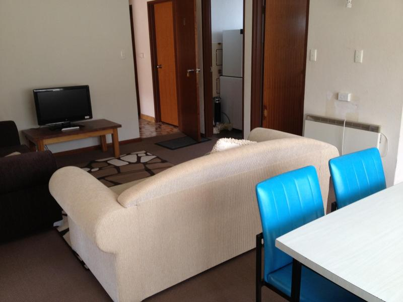 Lounge Dining - Unit 1 (33Gippsland) - Great Value - Jindabyne - rentals