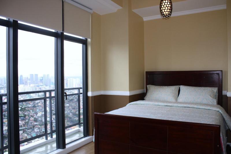 Elegantly Gorgeous Penthouse Unit - Image 1 - Makati - rentals