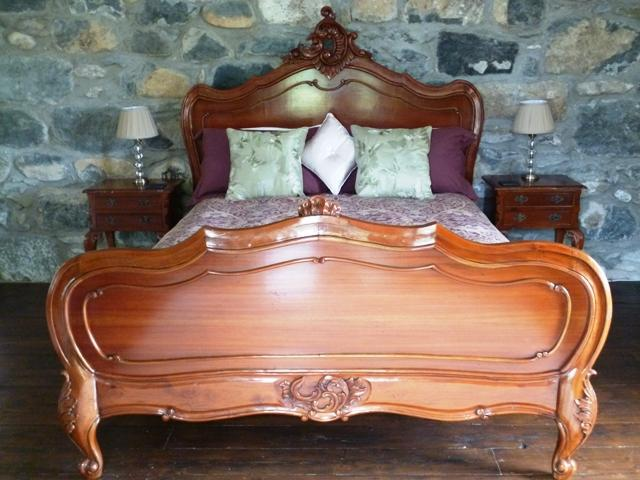 French Kingsize Bed - Fron Oleu B&B, a perfect rural retreat for couples - Criccieth - rentals