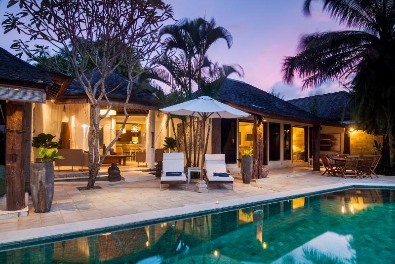 SERENE RICE TERRACE 5 STAR LUXURY PRIVATE VILLA - Image 1 - Canggu - rentals