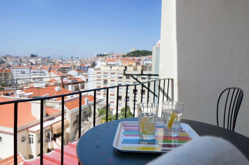 Apartment in Lisbon 257 - Graça - Image 1 - Lisbon - rentals