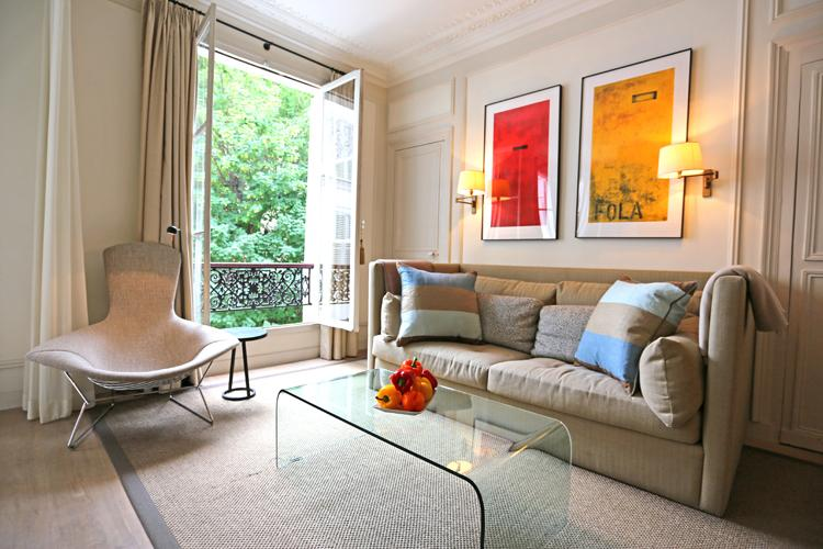 Quiet Luxury and Style. Elegant St Germain Des Pres Apartment - Image 1 - Paris - rentals