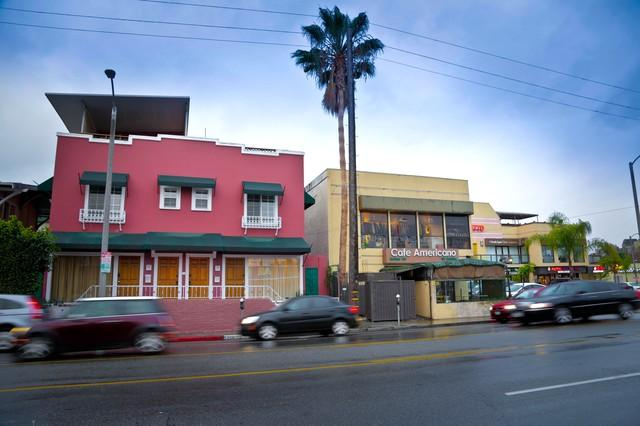 Exciting City Apt on HIp Melrose Ave walk to SITES - Image 1 - Los Angeles - rentals