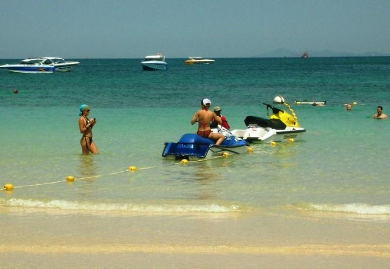 Beach and watersports nearby - Jomtien or Pattaya?  How about the best of both? - Jomtien Beach - rentals