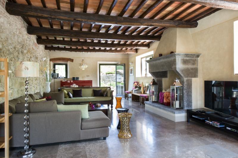 Master Sitting Room - Panoramic Country Views at Le Pratola Chianti - Gaiole in Chianti - rentals