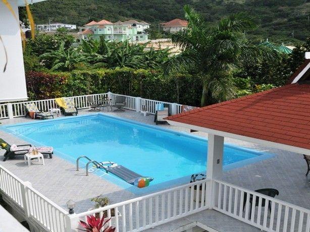 PARADISE LA CASA DE FAMILIA IRONSHORE 6 BED VILLA IN MONTEGO BAY - Image 1 - Montego Bay - rentals