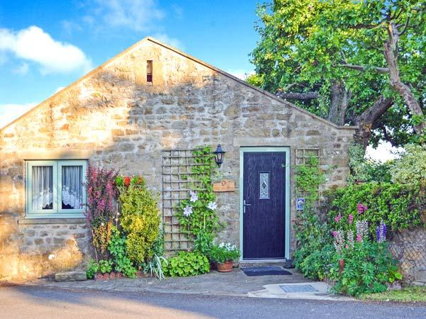 THE SHIPPON, character holiday cottage, with a garden in Newton-Le-Willows, Ref 9977 - Image 1 - Newton le Willows - rentals