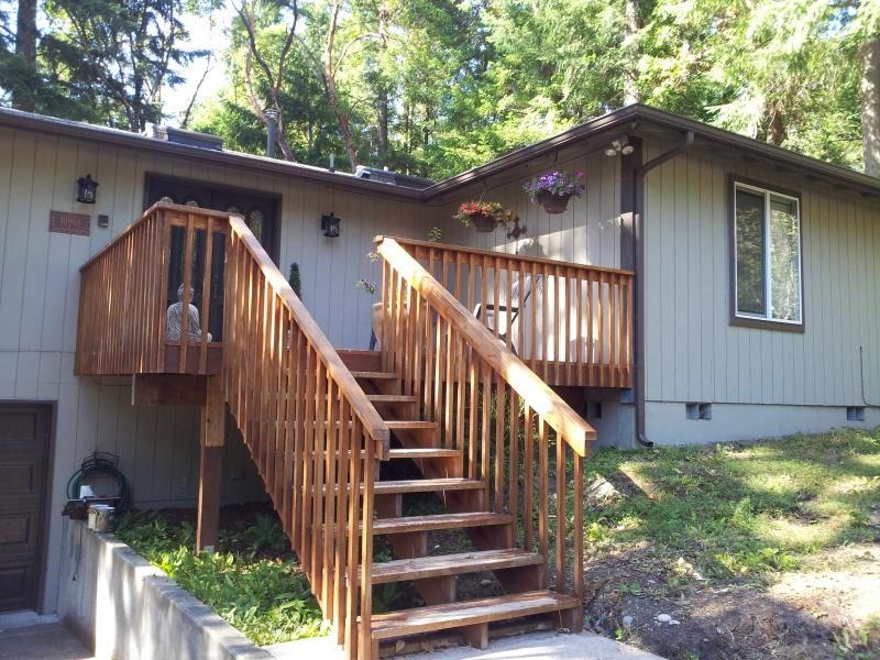 Front of the house - Beautiful home on the lake at Anderson Island - Anderson Island - rentals