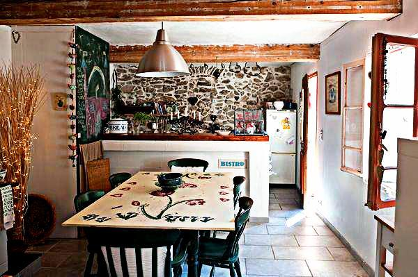 The best parties are always in the kitchen... - Village House in the Heart of the Felluns - Ansignan - rentals