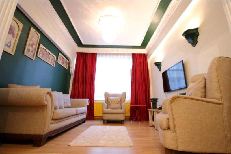 Charming flat with 3 bedrooms and 3 AC - Image 1 - Istanbul - rentals