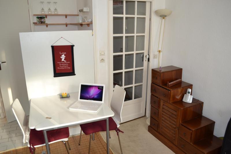 Main room - Well located studio in St. Germain - P6 - Paris - rentals