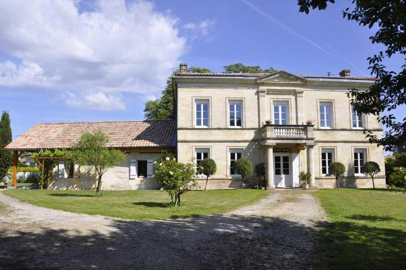 the gite and the hosts house - Self-catering near Bordeaux in stone house - Pessac - rentals