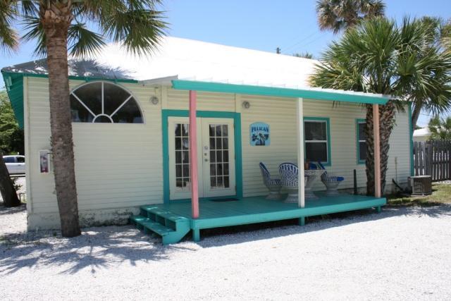 FRONT PORCH - Pelican Three Bedroom Waterfront Cottage - Jensen Beach - rentals