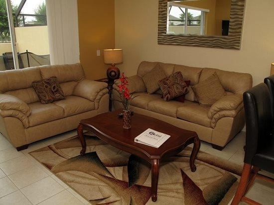 Grand 3 Bedroom 3 Bathroom Townhome with Lake View - Image 1 - Orlando - rentals