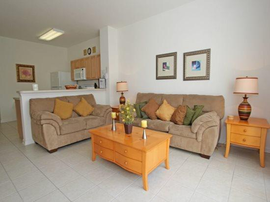 Deluxe 3 Bedroom 3 Bathroom Townhome Near Disney. 2560RS - Image 1 - Orlando - rentals