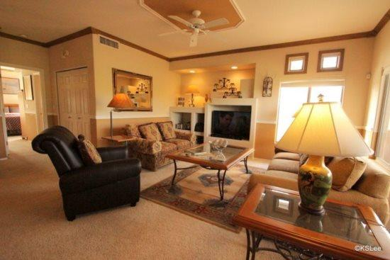 Living Room with Flat Screen TV  - Beautiful Two Bedroom, Two Bath Condo, with Views. Stay with Us at The Vistoso Casitas Year Round! - Oro Valley - rentals