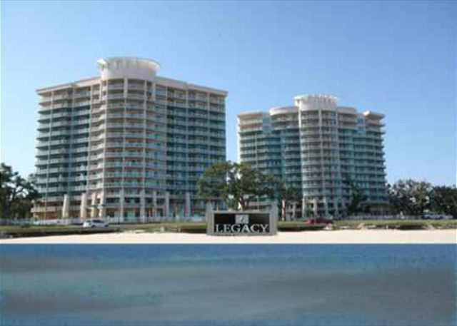 Beautiful 3-Bedroom / 2-Bath Condo at Legacy Towers - Image 1 - Gulfport - rentals