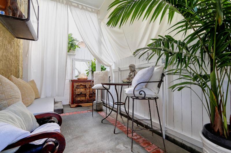 Shangri-La Patio and lounge area - Shangri-La at the Beach! - Hermosa Beach - rentals