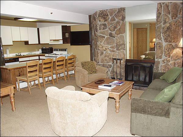 Open Living Area - Ski-in/Ski-out - Walk to Village shops and restaurants (3231) - Aspen - rentals