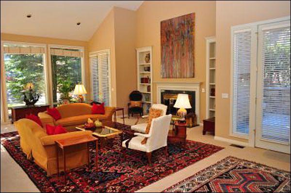Main Living Room - Large Executive Home - Walk to restaurants and shops (5467) - Aspen - rentals