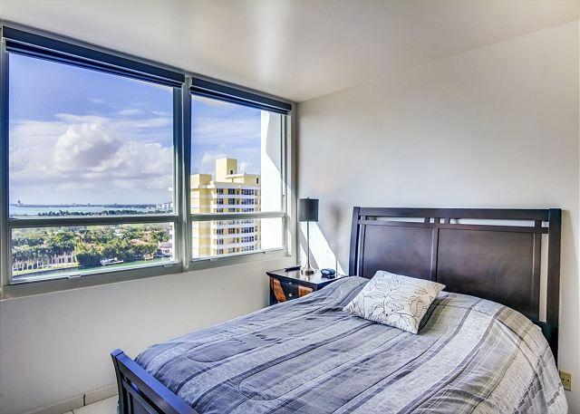 Plentiful Studio facing Miami Bay - Image 1 - Miami Beach - rentals
