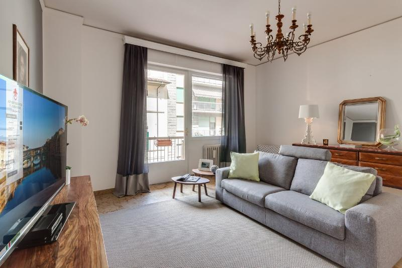 Extremely Spacious Apartment Rental in Prime Area of Florence - Image 1 - Florence - rentals