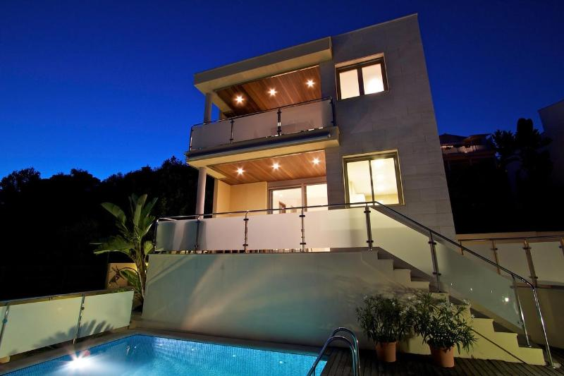 Villa by night - Ultra-modern villa 1 with spectacular sea view - Alcudia - rentals