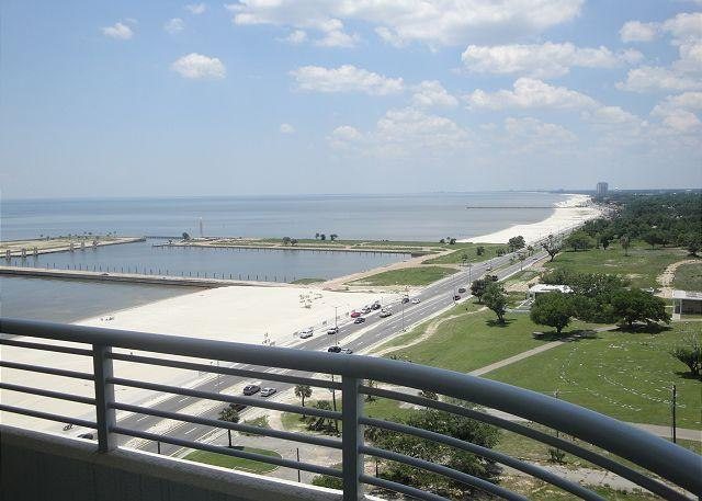 oc 1202 - Beautiful 2 bedroom / 2 bath condo with view of Gulf. - Biloxi - rentals
