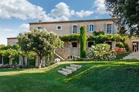 Very Private Hillside Farmouse Les Chavelles offers Baby & Pet-Friendly environment with Pool - Image 1 - Luberon - rentals