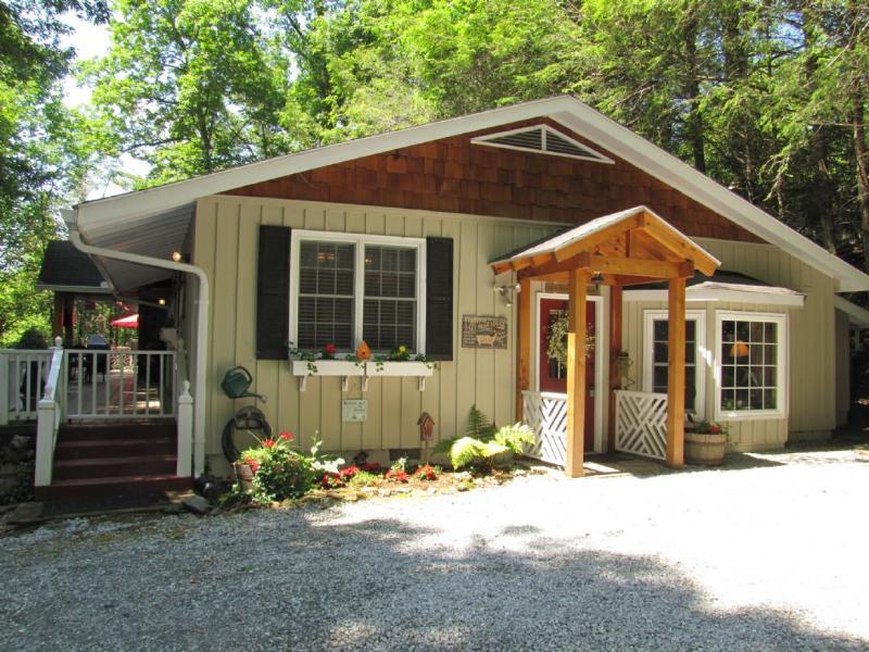 Charming Highlands Cottage - Lazy Bear Lodge - Highlands - rentals