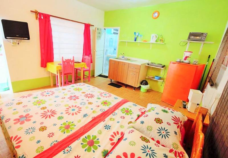 Colourful studio, 4 blocks from beach $380per mon - Image 1 - Playa del Carmen - rentals