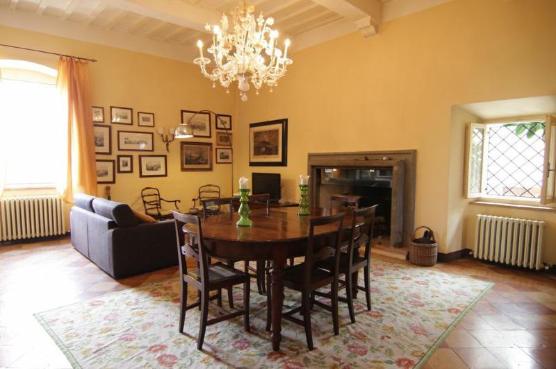 The Living Room - Meggy's Home - Todi - rentals