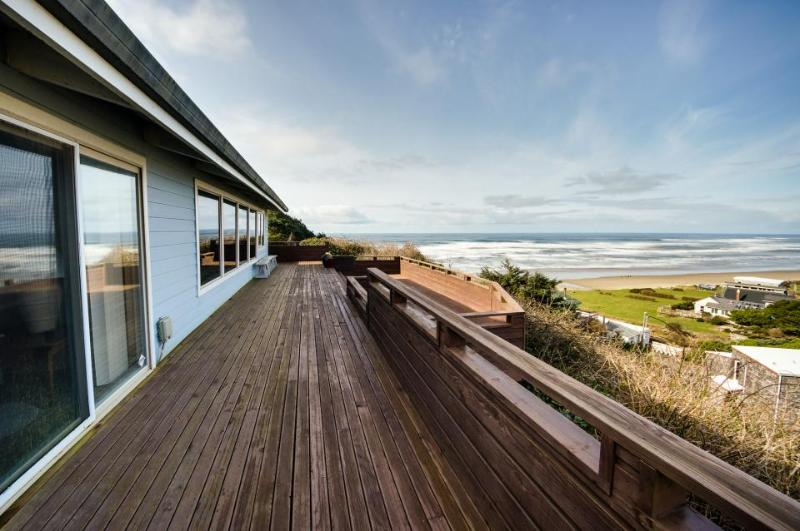 Spacious deck, sweeping ocean & lake views! - Image 1 - Cape Meares - rentals