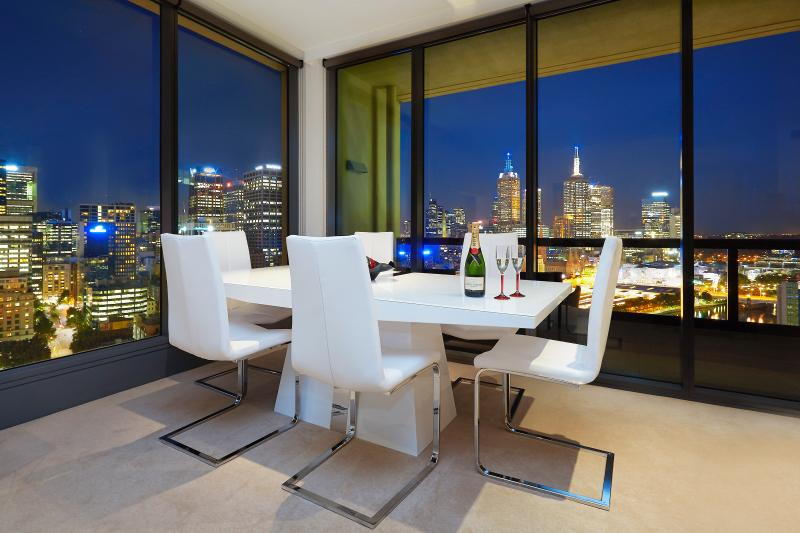 Magificant Views - Platinum Vogue -Most Coveted Location In Melbourne - Melbourne - rentals