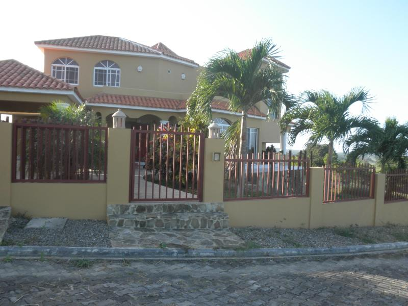 can be yours for your vacation time - panoramic view house with 3 bedrooms, STAR HILLS - Puerto Plata - rentals