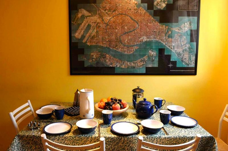The flat is well equipped for five people - Casa Battello, quiet Cannaregio side street - Venice - rentals