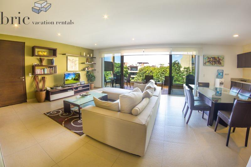 2 Bedroom Penthouse and 4 Swimming Pools - Image 1 - Playa del Carmen - rentals