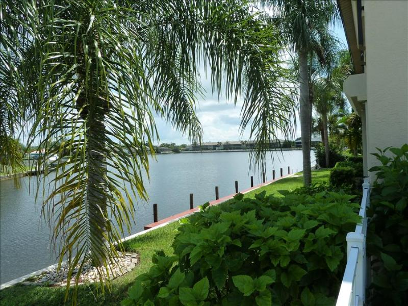 Furnished 2 Bed 2 Bath Condo on Lake Louise - Image 1 - Cape Coral - rentals