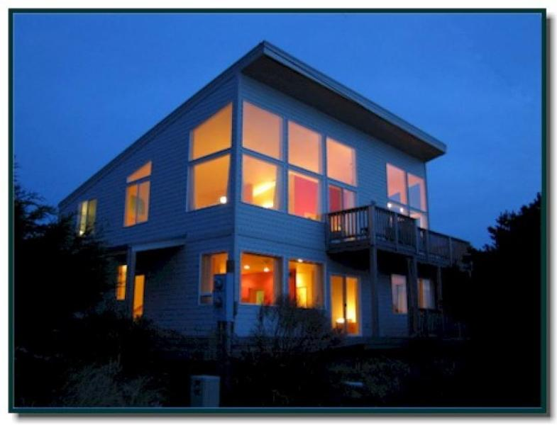Glass Beach House - Image 1 - Florence - rentals