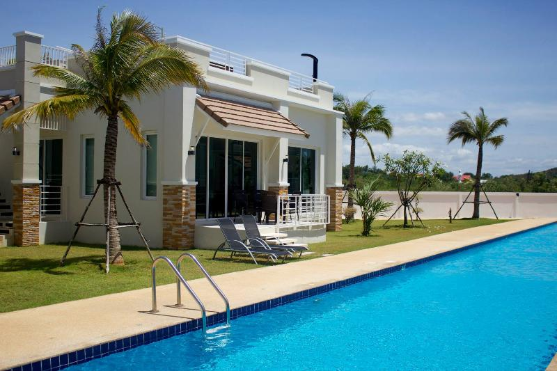 2 BR Deluxe Villa with ROOFTOP JACUZZI - Image 1 - Sam Roi Yod - rentals