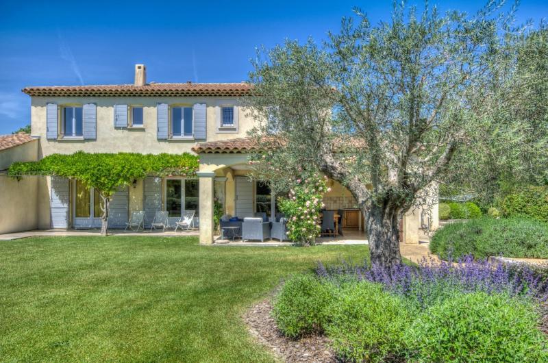 Villa Lavender St. Remy villa rentals, holiday in St. Remy, villa rentals in Provence - Image 1 - Saint-Remy-de-Provence - rentals