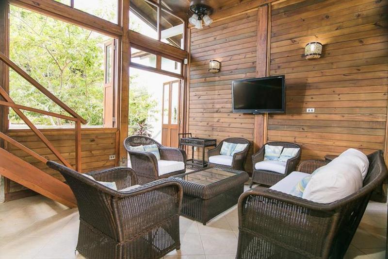Spacious 4 Bedroom House on Private Beach Near Cartagena - Image 1 - Isla Baru - rentals
