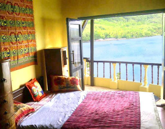 master bedroom with a great view - Villa on Hillside - solar hot water - Gili Nanggu - rentals