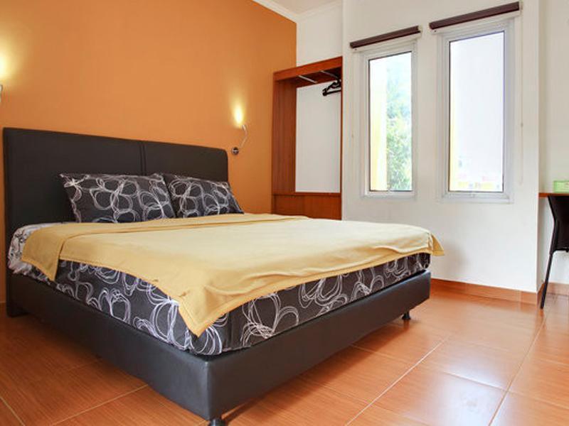 Bedroom - Aryani Suites with Pool in East Jakarta - Jakarta - rentals