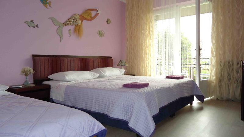 Pleasant room Sirena  2+1 with balcony in Lovran - Image 1 - Lovran - rentals